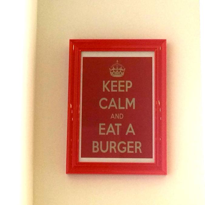 Bon présage, sur le mur du restaurant