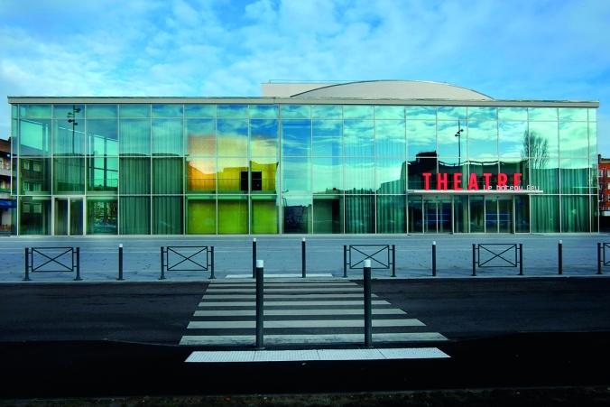 3-vue_exterieure_du_theatre